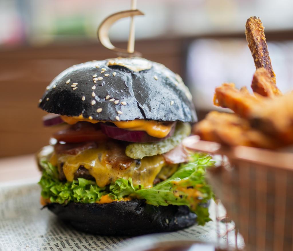 Reštaurácia PaE sépiový hamburger